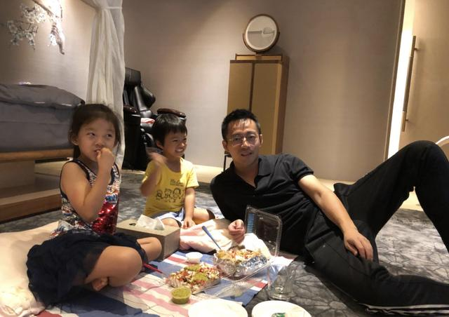 秦昊稱汪小菲是自己最好朋友,爆料其區別對待兒子女兒被大s訓話